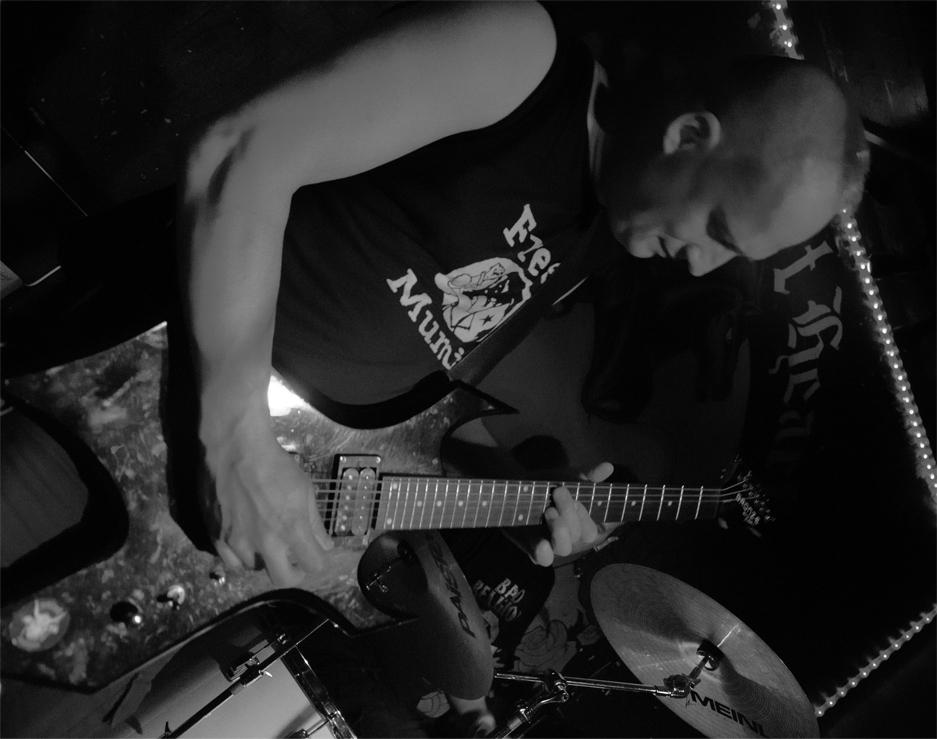 MÃ LLSCH_guitar
